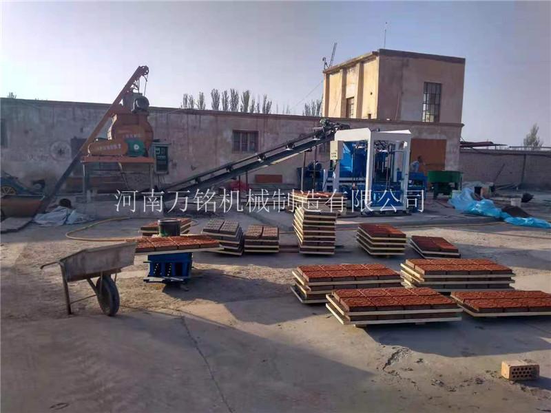 河南万铭西班牙植草砖机新疆安装完毕客户满意