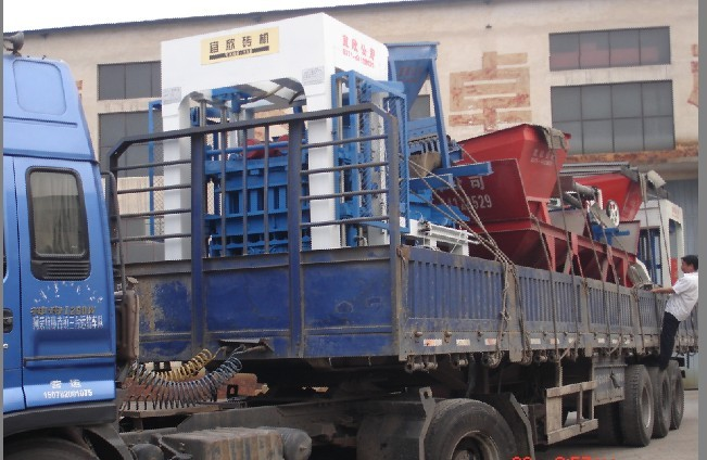 新疆免烧砖机设备发货现场图片