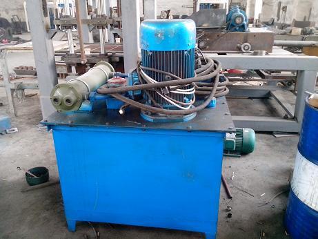 宜欣液压免烧砖机 液压系统小解