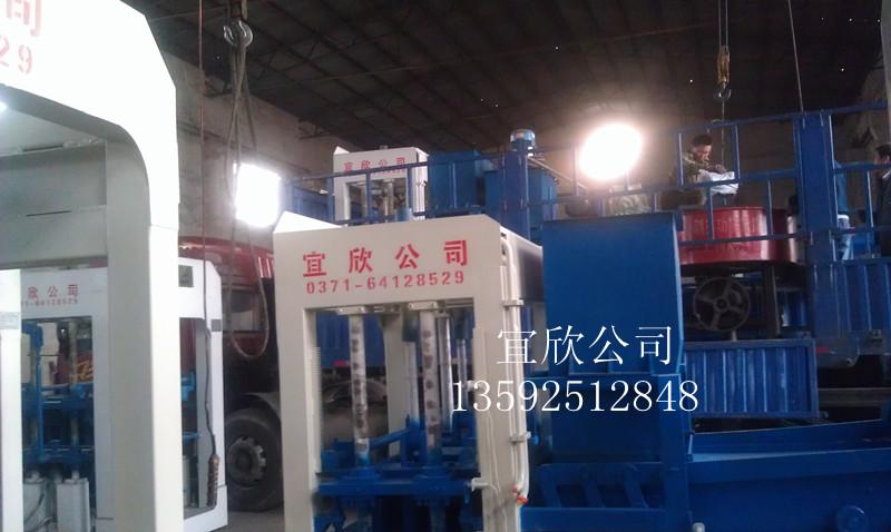 湖南郴州4型水泥垫块机发货现场