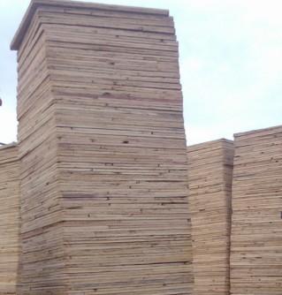 小型空心砖机木托板的维护